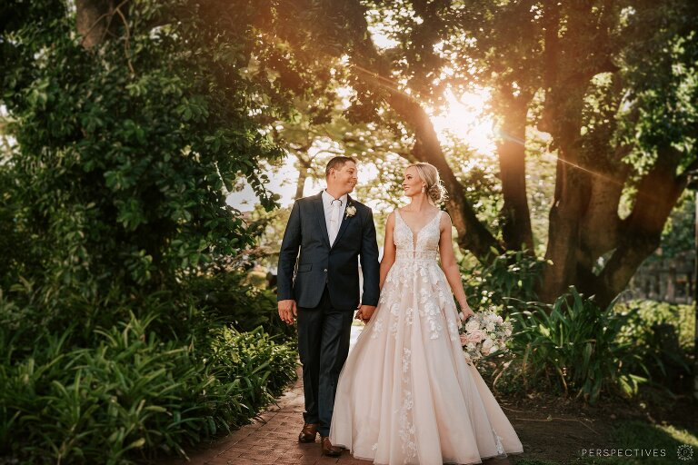 https://www.perspectivesphoto.com.au/wp-content/uploads/2021/05/Pullman-Cairns-International-wedding_0001(pp_w768_h512).jpg